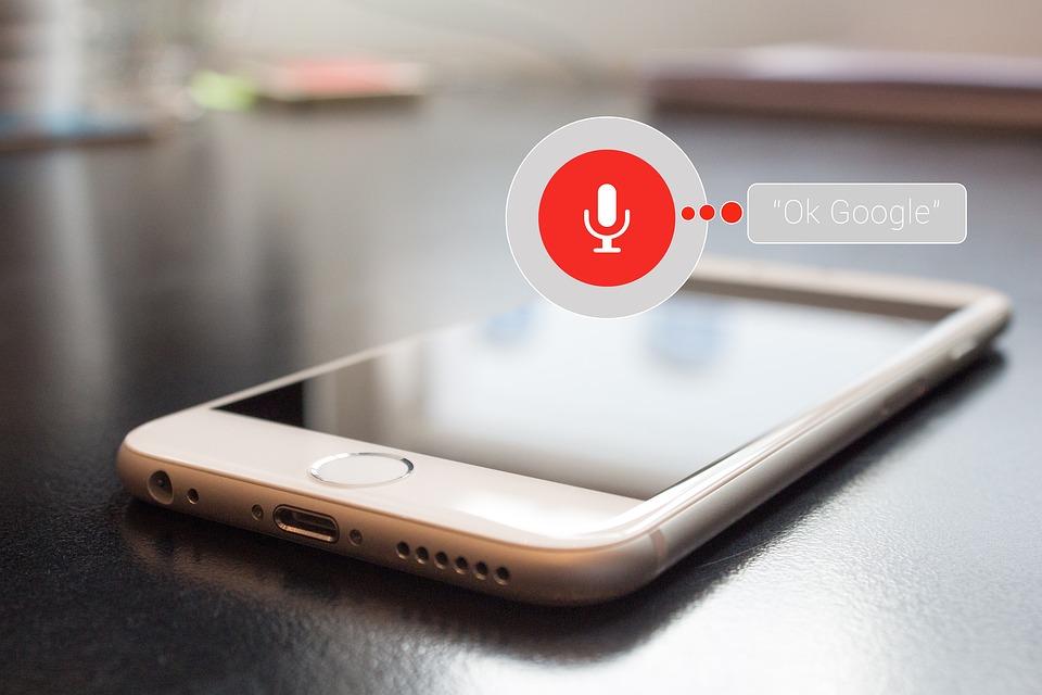 Co warto wiedzieć o wyszukiwaniu głosowym?